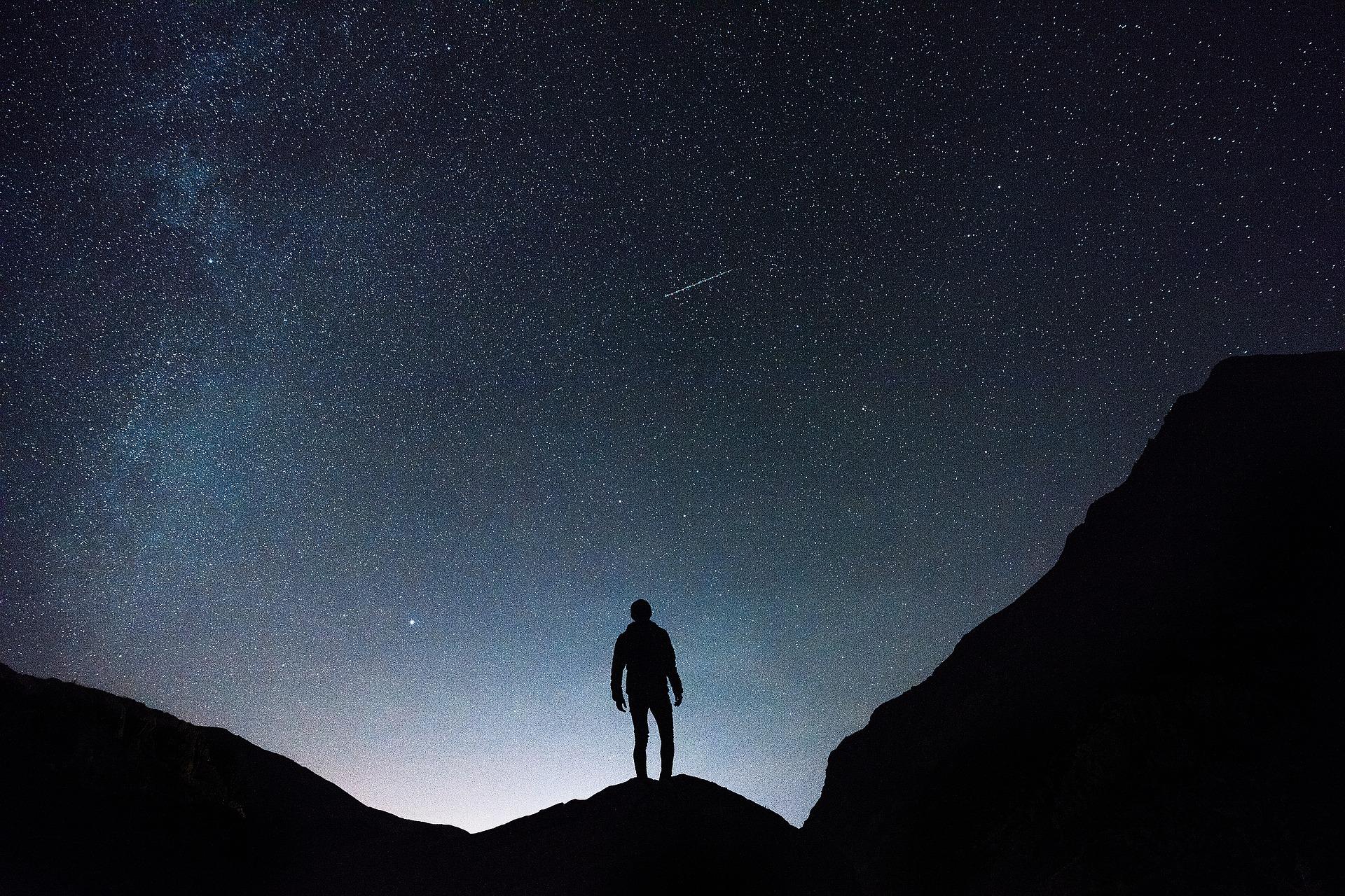 Moment poétique : Là-bas, dans les étoiles !